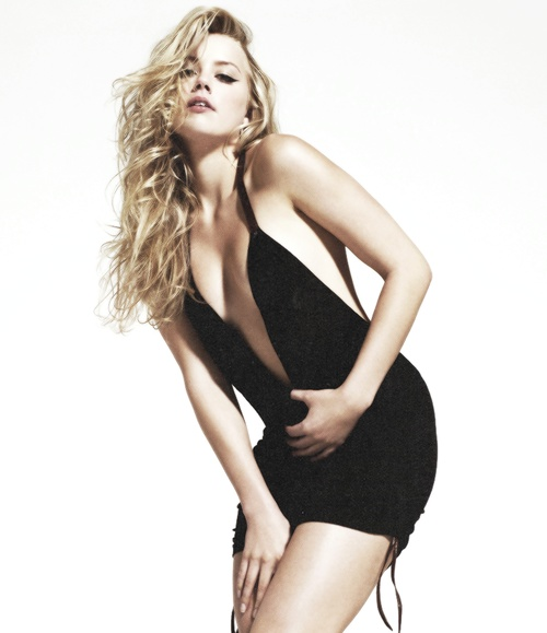Amber Heard as Eva Tramell #crossfire (Bared to you) Eva's black short dress at Gideon's club.