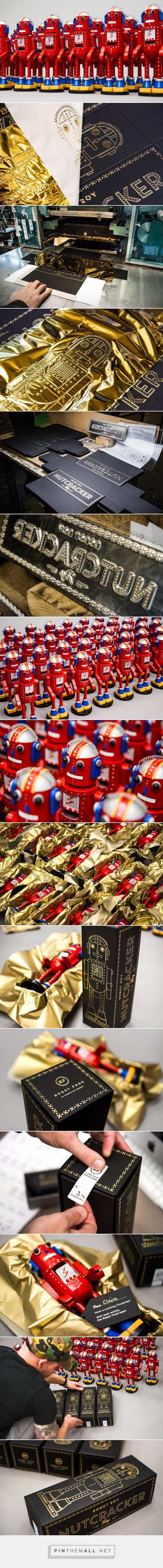 #Robot Roy - The Nutcracker #Toy #packaging by Robot Food - http://www.packagingoftheworld.com/2014/12/robot-roy-nutcracker-toy.html