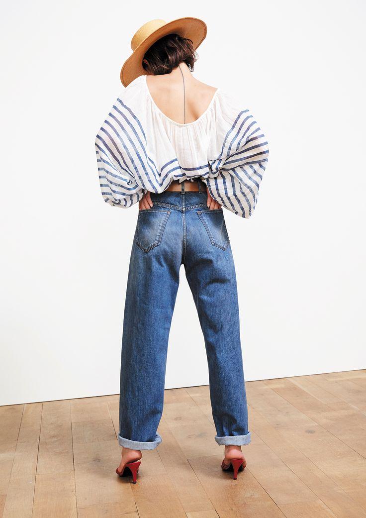 Collection Printemps Eté • Spring Summer 2017 • Matthew Blouse • www.mesdemoisellesparis.com/e-shop/fr/blouse/blouse-matthew Mustang Jeans • www.mesdemoisellesparis.com/e-shop/fr/pantalon-shorts/jeans-mustang Manolo Belt • www.mesdemoisellesparis.com/e-shop/fr/accessoires/ceinture-manolo #mesdemoiselles #collection #springsummer #clothes #look #outfit #mesdemoisellesparis