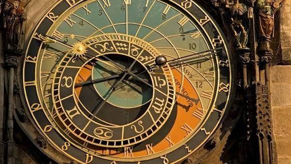 مخترع الساعة وأنواعها معلومات مذهلة عن آلة قياس الوقت Prague Astronomical Clock Clock Prague