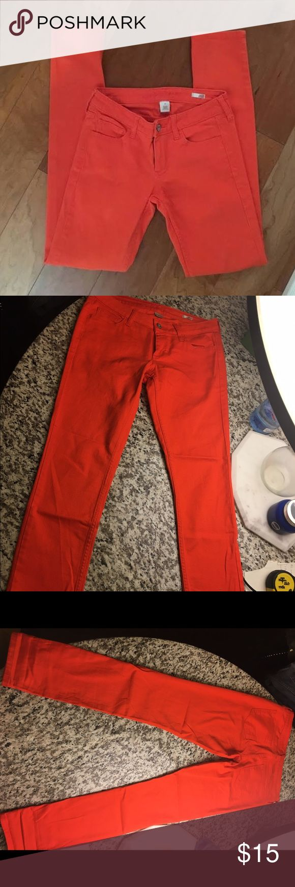"""Arizona 'Super Skinny' in ORANGE Sz 9 True ORANGE color skinny jeans. Sz 9; 31"""" inseam; 7"""" cuff diameter. Run true to size.. not small like typical juniors sizing. These fitnlike a Sz 29/30. These are perfect for game day if your team's color is orange (OkState, Syracuse, Cleveland Browns, etc,) or if you just want a pair a stand out jeans. These have only been washed once and never dried. No fading. Arizona Jean Company Jeans Skinny"""