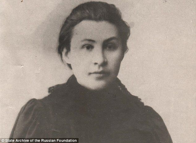 After almost a century historians have unearthed a picture of Apollinariya Yakubova, the f...