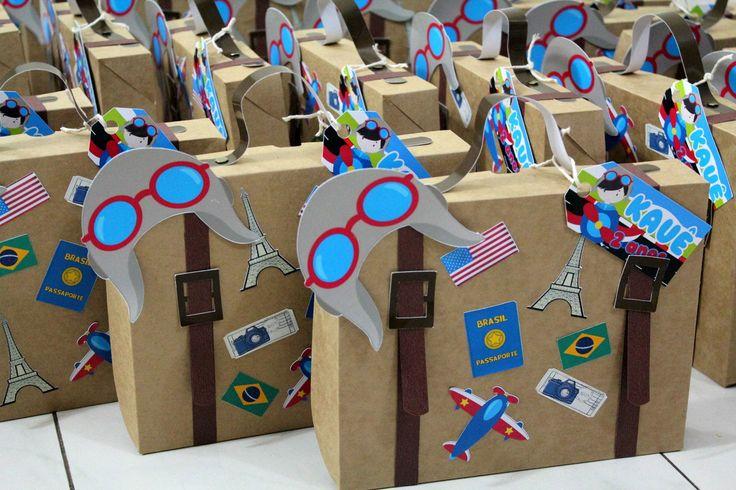 Maleta aviador em papel kraft, ideal para colocar lembrancinhas no tema. ATENÇÃO: Caixas enviadas desmontadas pelo correio. dimensões :19 x 12 x 3,5cm