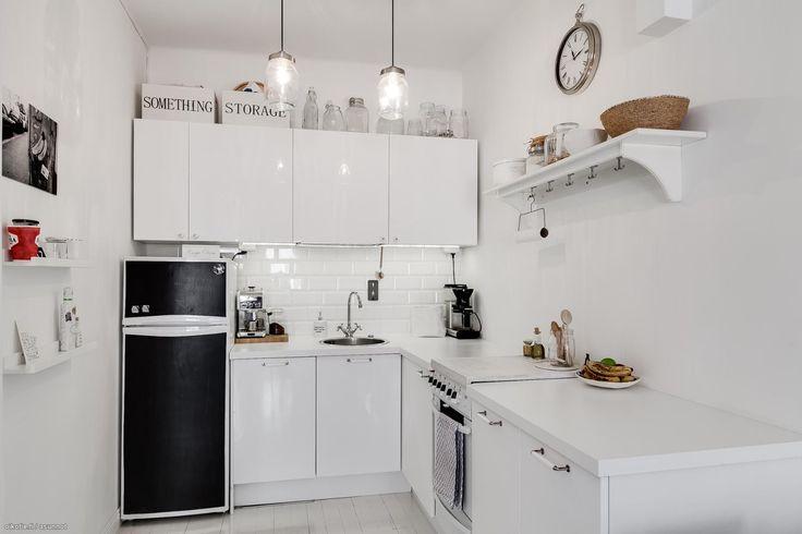 White kitchen & subway tiles, Helsinki // Oikotie.com