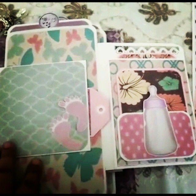 البوم Baby Girl مكون من 5 صفحات القياس تقريبا 6 انش 10 انش السعر 40 د ك للطاب وتس اب على 65587789 Phone Cases Lunch Box Case