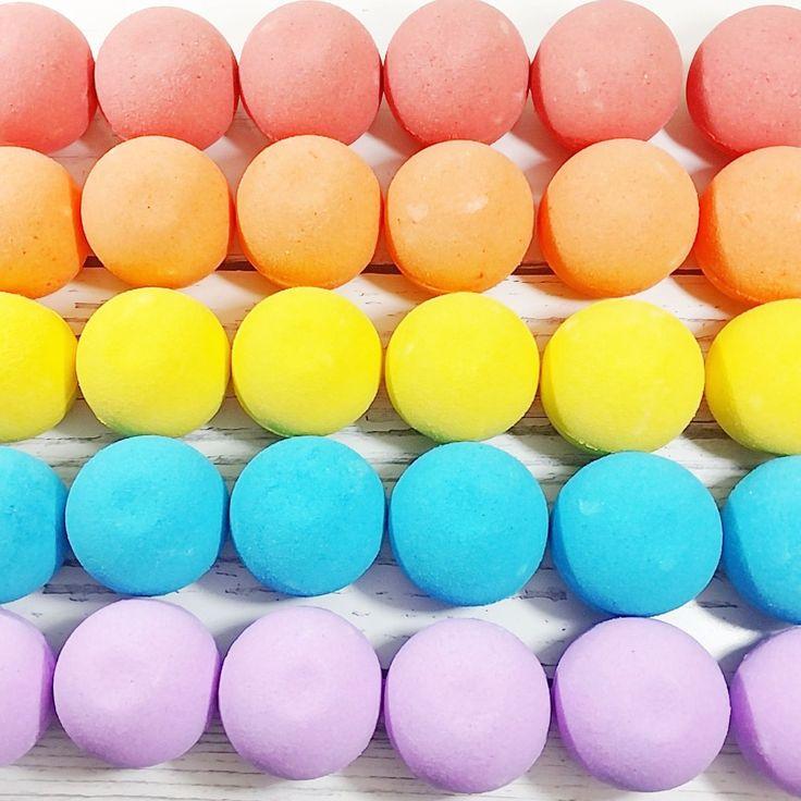cloud rainbow bath bomb - 736×736