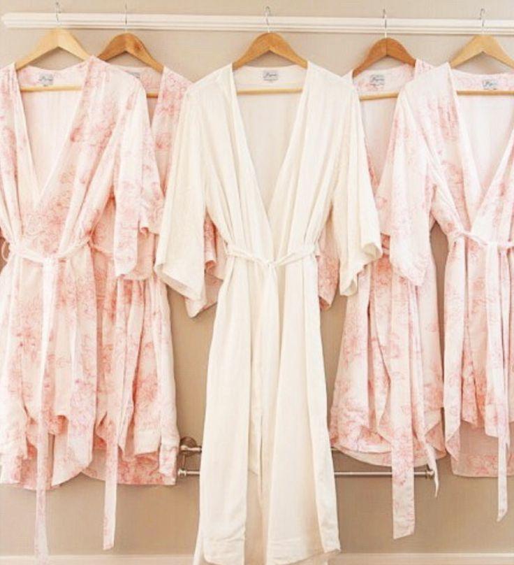 Bridesmaid Pajamas, Bridesmaid gift, Bridal Sleepwear, Women's Sleepwear, Bridesmaid Gift Made to order! Shop the Piyama Bridal Boutique: www.etsy.com/au/shop/Piyama