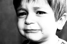 Verdrietig, Verdriet of droevig is een emotie waardoor mensen en dieren kunnen uitdrukken dat ze niet positief ingesteld zijn, ze voelen zich dan vaak ongelukkig en laten dit zien door middel van tranen.
