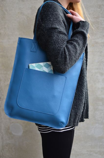 Keecie - Hungry Harry in Faded Blue - Leather bag