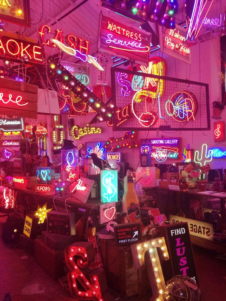 God's Own Junkyard | Art in Upper Walthamstow, London| definitely on my bucket list to visit here!**