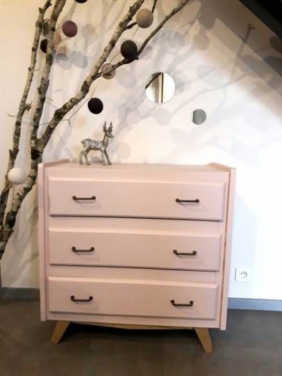 best 25 commode vintage ideas on pinterest sona build s6 vintage furniture and retro furniture. Black Bedroom Furniture Sets. Home Design Ideas
