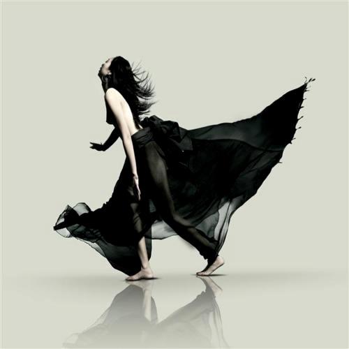 Black / Photo by Regine Mahaux
