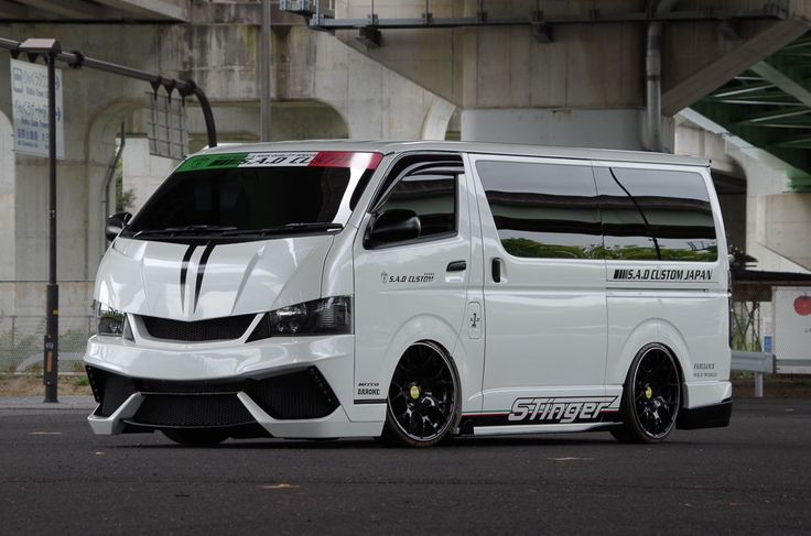 S.A.D. Custom Japan Toyota HiAce Stinger 200HIACE is Forward-Control Frivolity