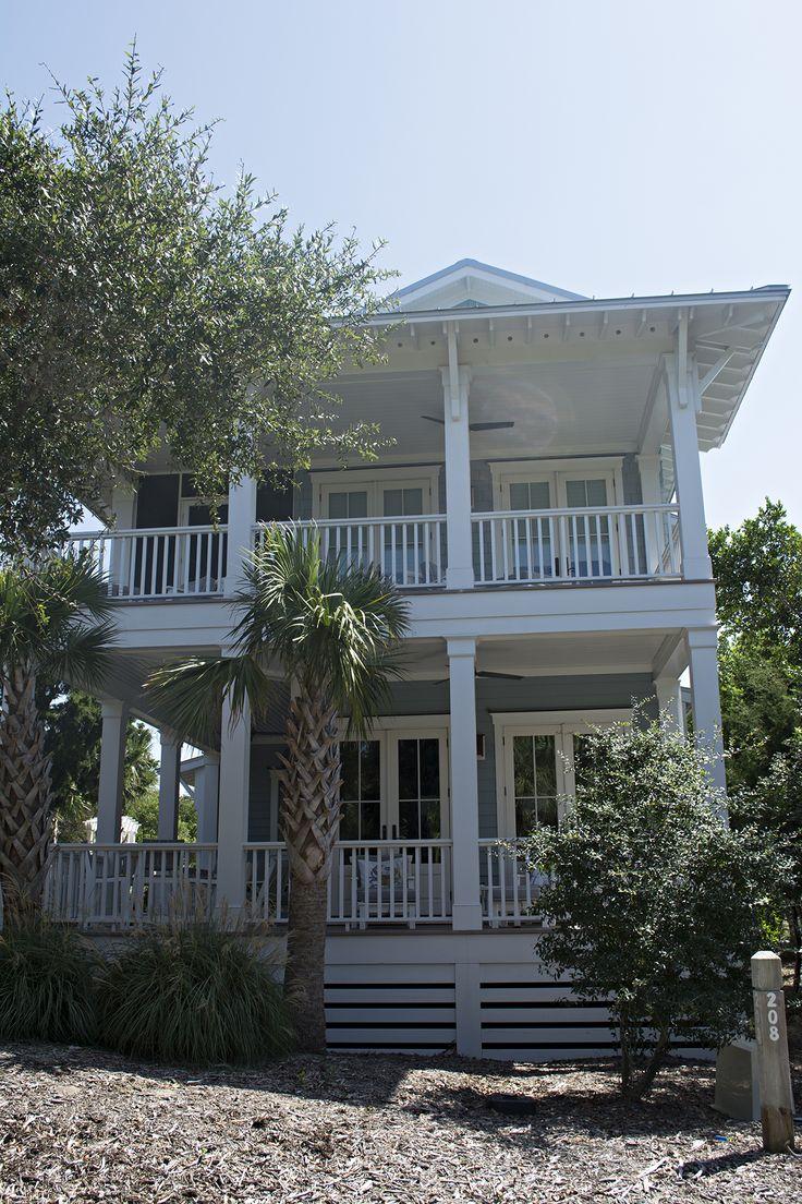 cottage | beautiful travel spots in the United States | Bald Head Island North Carolina | US Islands | Island hopping | Island traveling