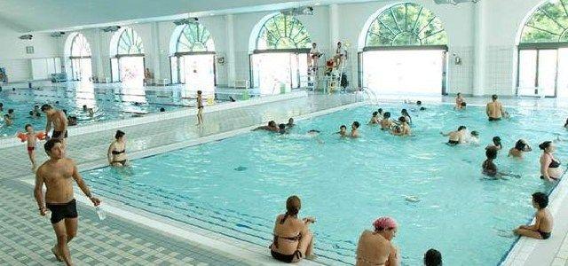 Piscine du Palais des Sports de Puteaux - http://www.activexplore.com/activity/piscine-du-palais-des-sports-de-puteaux/
