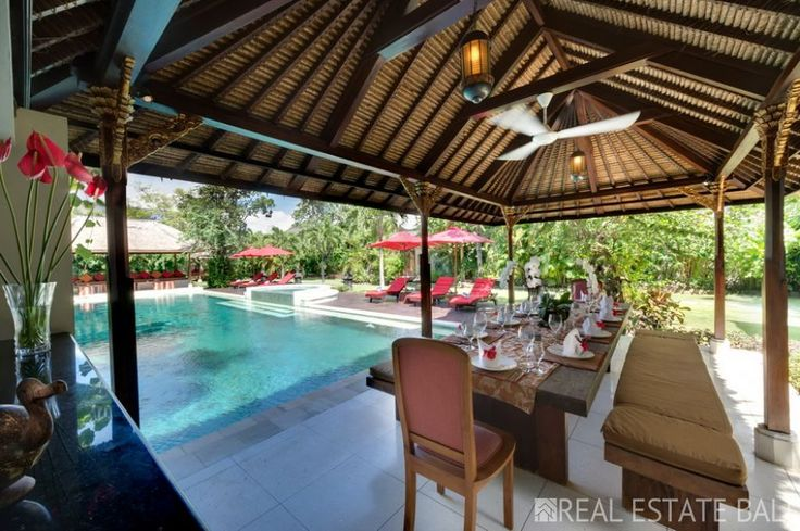 Beautifully appointed villas truly sparkle – exuding luxury, elegance and comfort villa for sale in the heart of Seminyak