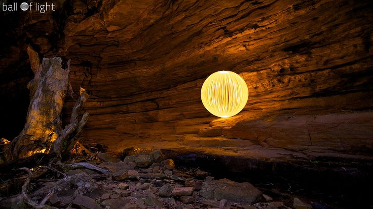 Light Painting - Light Art - Denis Smith - Curve Ball - Australia -  Canon EOS 5D - Setting: f/2.0, 24.0 mm, ISO120, 150 - 12/08/2011