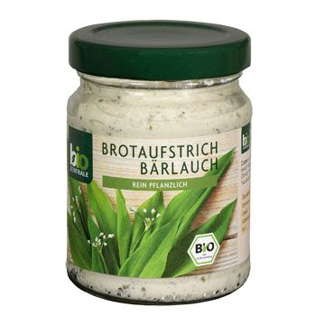 Honestly I don't remember who gave me a little, suspicious-looking jar with BROTAUFSTRICH BÄRLAUCH for the first time. Now this is must-have for all my friends visiting Germany. The white cream smells like garlic, but the taste is softer. I prefer it on breed, however, you can mix it with yoghurt to create tasty dip.