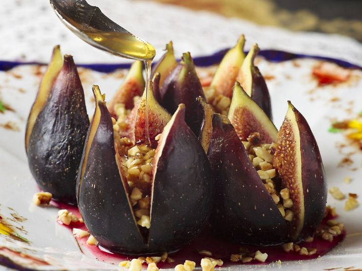 Feigen mit Mandel-Honig-Füllung | http://eatsmarter.de/rezepte/feigen-mit-mandel-honig-fuellung (Vegan Recipes Christmas)