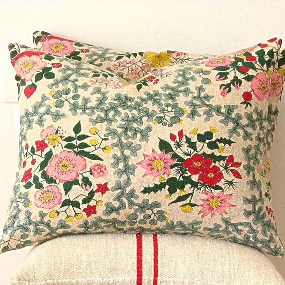 Vintage Floral Barkcloth Pillow   Jill Bent