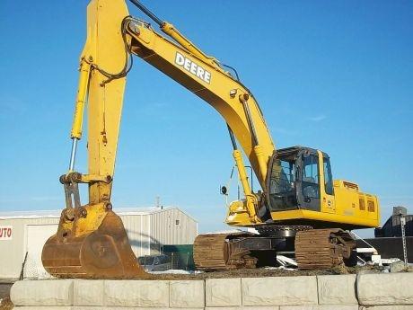 John Deere Excavators    http://www.rockanddirt.com/equipment-for-sale/JOHN-DEERE/excavators