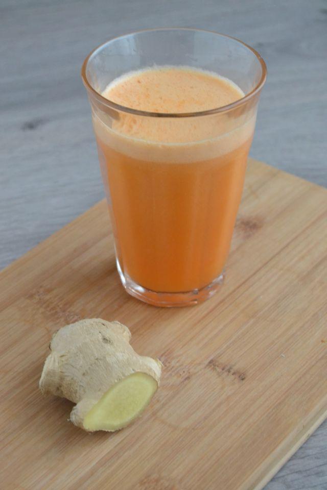 Dit is een simpel recept voor lekkere wortel sap met bleekselderij, biologische appeltjes en gember. Voor een goede boost natuurlijk vitaminen!