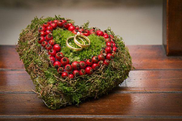 Inspiration für eine Herbsthochzeit in Rot | Friedatheres.com
