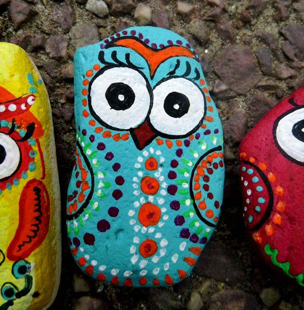 Hand painted stones. Magnets.