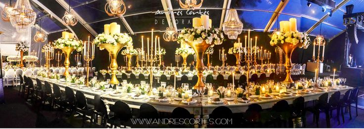 A very avant-garde and exclusive style takes over every detail, from completely classic furniture and the combination of deluxe ornaments such as golden vase and candelabra . Beautiful chandeliers and floral arrangements made with white roses, hydrangeas and variety of foliage, steals the show in the desing proposal. Design and decoration by Andrés Cortés. #andrescortes #WeddingIdeas #Weddings #Bodas #Centrosdemesa