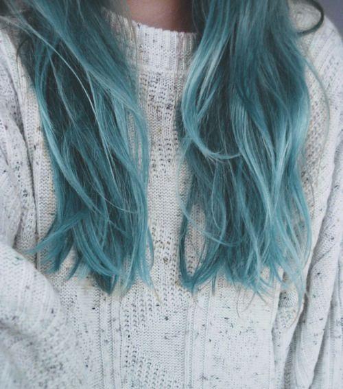 loving blue dip dye #bluehair #colour #bbloggers