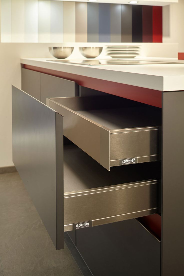 Blum legrabox stormer cocinas pinterest kitchens for Kitchenette cabinets