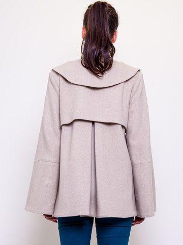 The Fitzroy - #gehrich #gehrichmelbourne #thefitzroy #herringbone #silklining #womensfashion #coat #peterpan #sleeves