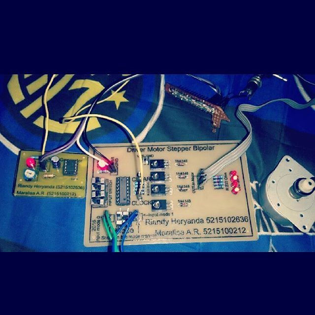 drive your motor stepper! :-V #DIY #doityourself #maker #motordriver #steppermotor #motorstepperdriver #clockgenerator #electronicprojects #electronic #student #tugaskuliah #PCB