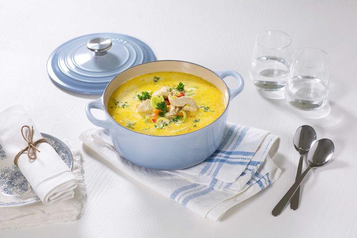 Kyllingsuppe er godt for både kropp og sjel. Denne er i tillegg kjapp å lage, og med masse god smak.