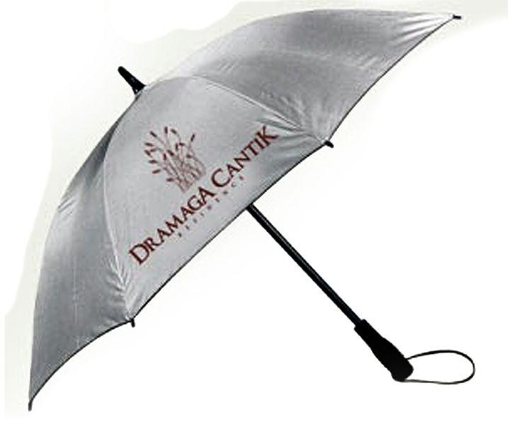 Payung yang berguna disaat hujan dan panas adalah salah satu merchandise praktis yang dapat dibuat untuk hadiah atau promosi. Saat seseorang menggunakannya,orang lain akan melihat nama perusahaan atau instansi yang melekat pada payung promosi ini.