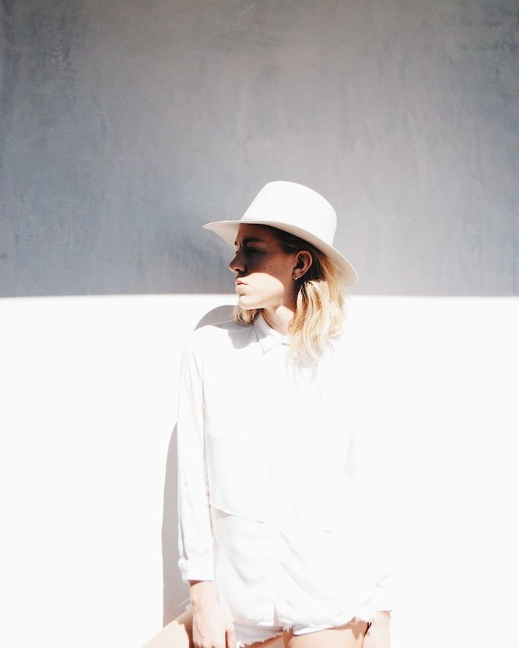 All white | Taylranne