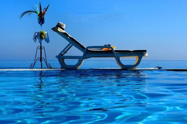 Infinity Pool, El Oceano Beach Hotel, Mijas Costa, Malaga, Andalucia, Spain