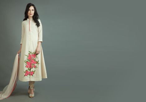 This Stylish Kurti from Benzer will surely own the spotlight wherever you go. Item number W15-103
