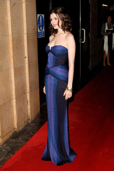 Anne Hathaway Photos Photos - (UK TABLOID NEWSPAPERS OUT) Actress Anne Hathaway attends the premiere of 'Rachel Getting Married' at the BFI 52nd London Film Festival held at the Vue Cinema, Leicester Square on October 20, 2008 in London, England. - BFI 52 London Film Festival: 'Rachel Getting Married' - Inside Arrivals