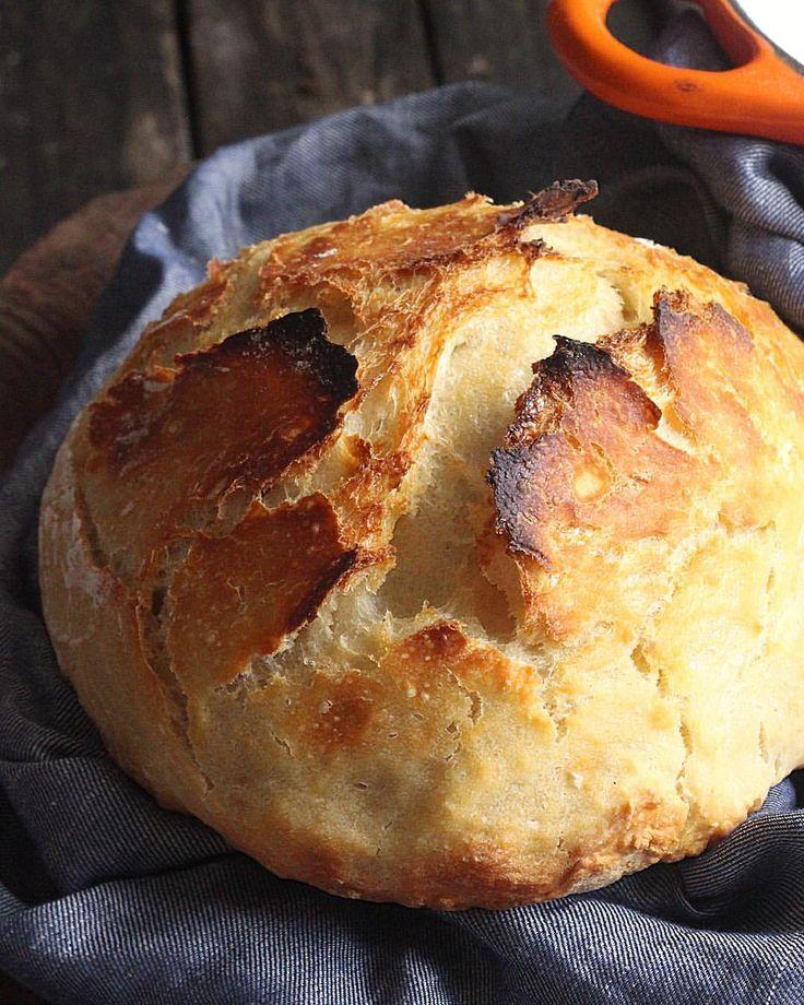 """1,431 curtidas, 145 comentários - Renata Constantino Barrella (@goriahuk) no Instagram: """"Pão caseiro com cara (e casca!) de pão italiano. Super fácil, super delicioso! A receita, que leva…"""""""