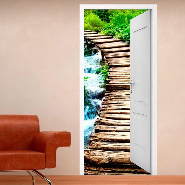 Vinile decorativo porta aperta ponte di legno #decorazione #vinile #porta #StickersMurali