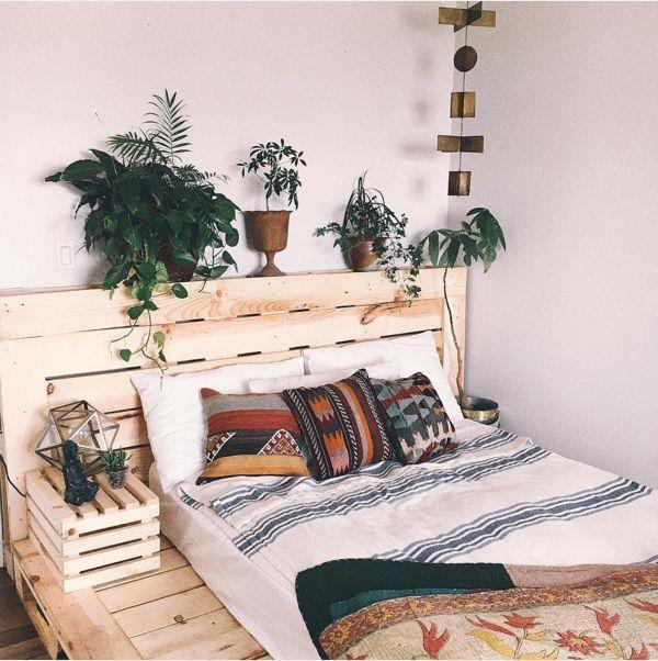 17 best ideas about pallet bed frames on pinterest diy for High school bedroom designs