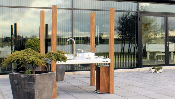 THORS Savra outdoor cooking island made in galvanised steel and reclaimed wood