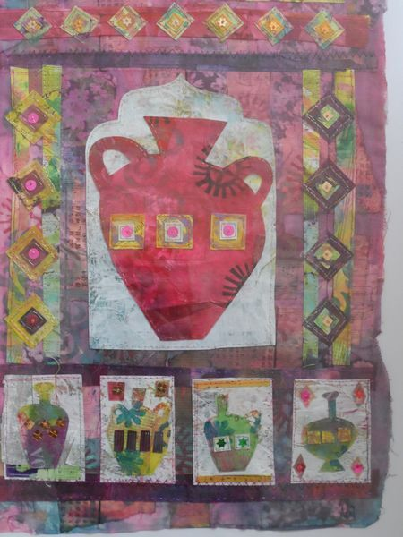 Urn red on white - Mixed media
