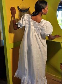 Robe AFRICA AFRICA BY DODY créole, antillais Ivette en vente sur la boutique Dodyshop spécialisée dans la vente de vêtements traditionnels créoles. Une collection unique inspirée des traditions