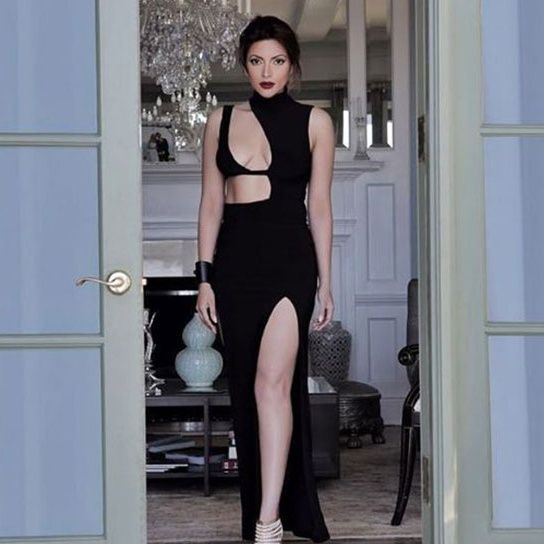 'Sexaholic' Actress, Shama Sikander Is Back!  follo.in