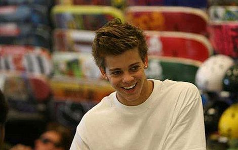 Ryan sheckler young and flipping hot