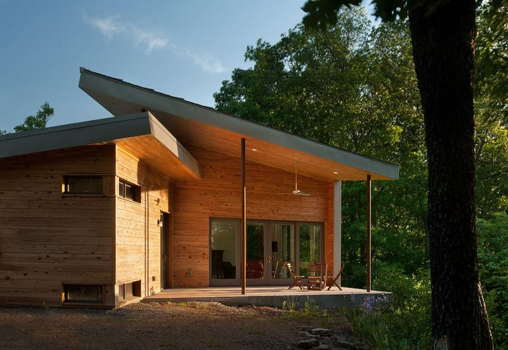 This beautiful cabin, located in the mountains of West Virginia, in the United States, was built with absolutely breathtaking views of the surrounding landscape. The daunting, towering mountains nearby, coupled with the sweet sound of water racing down the river, is definitely one of the most attractive features of the area. The project was undertaken by the architectural firm GriD Architects, and its design—inspired by the desires of the client—was..