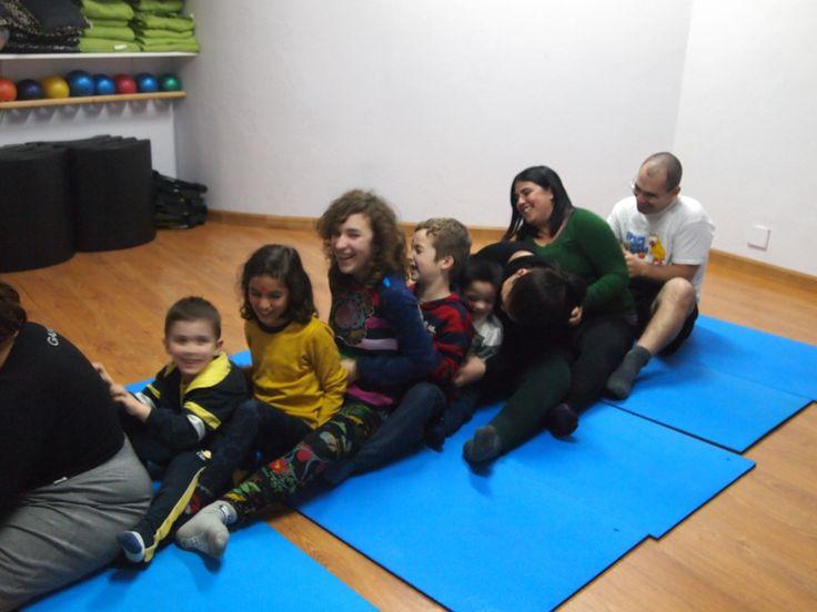 El tren de las cosquillas. Yoga en familia
