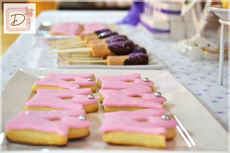 cookies coronita #fiesta #cumpleaños #festejo #decoración #tematización  #golosinas #cocina #cookies